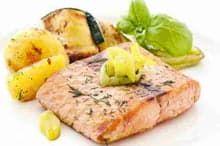 Картофель с рыбой, запеченный в духовке