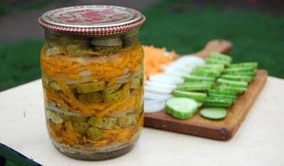 Рецепт: Маринованный салат из огурцов на RussianFood.com