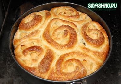 Пирог удался на славу - румяный, пахучий