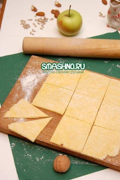 Нарезаю заготовки для печенек