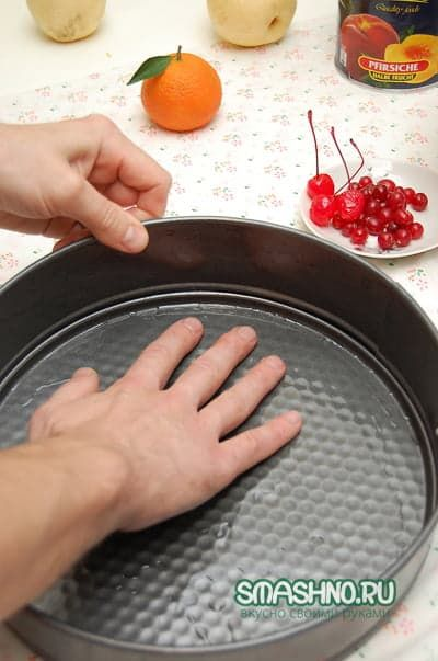Пирог с персиками рецепт фото