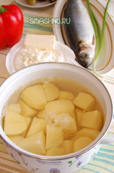 Ставим варить картошку