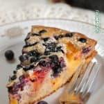 Пирог с черникой и абрикосами