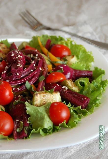 Салат с маринованной свеклой, фото