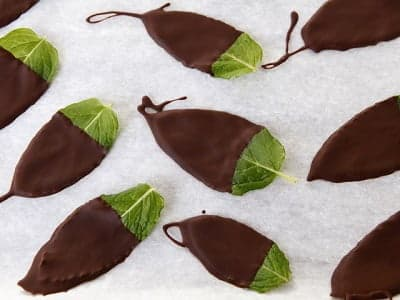 Мятные листики в шоколаде