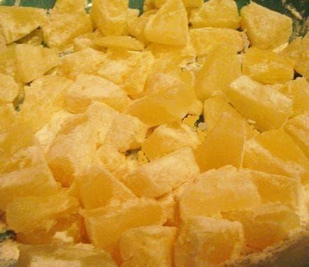 Обжаренные кусочки ананасов