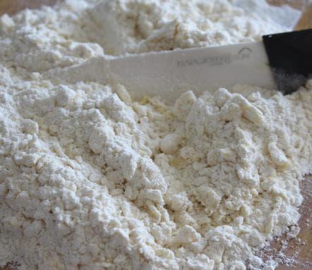 Рубленое в муке масло - тесто на пирог