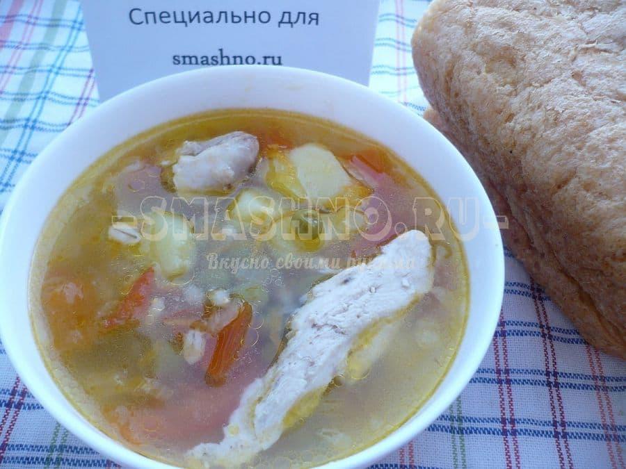 Суп с перловкой и зелёным горошком