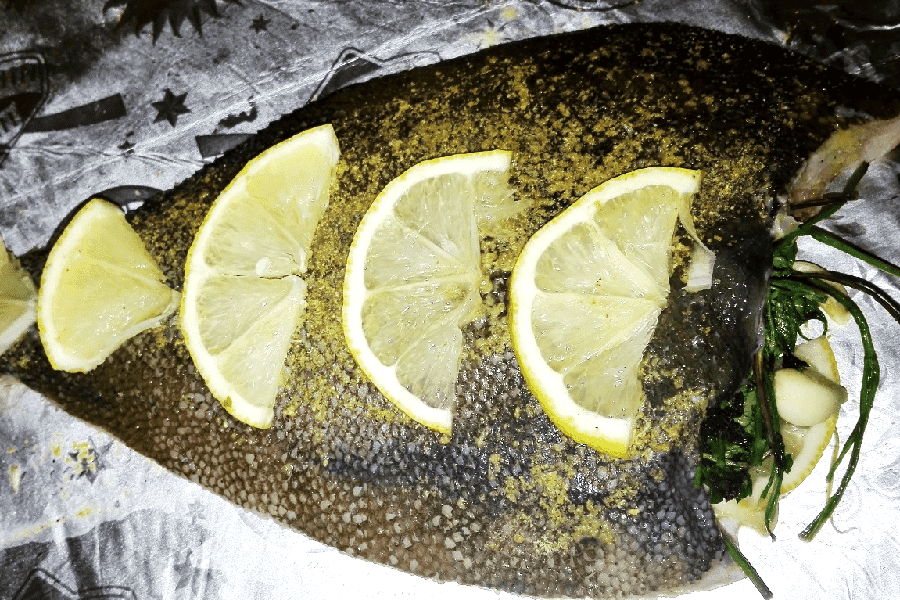 Жаренный минтай на сковороде