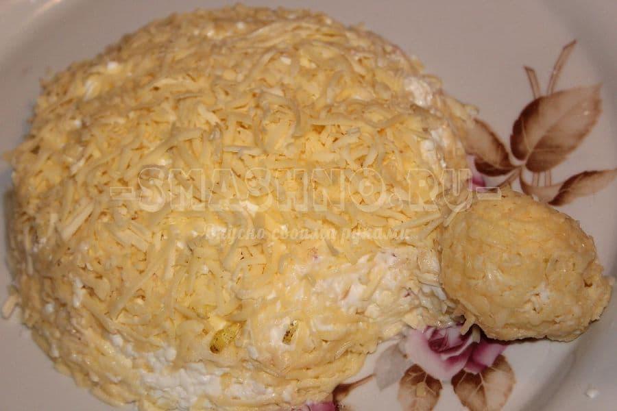 С тертым грецким орехом салат