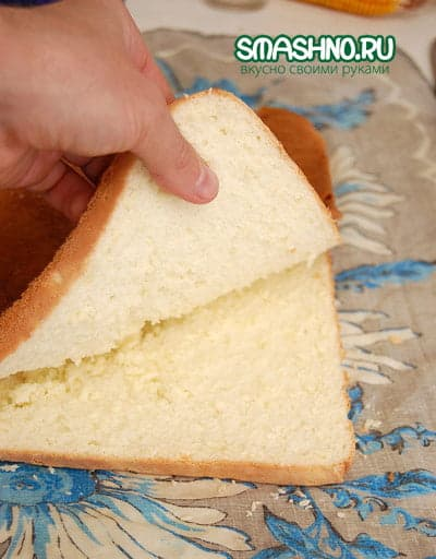 Бисквит в разрезе - пористый и мягкий