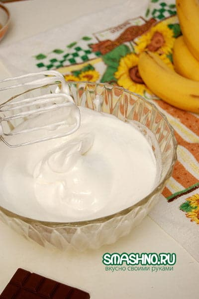 Взбитые белки с сахаром