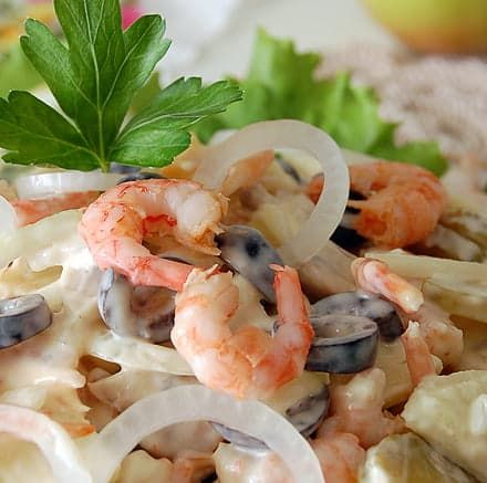 Вкусный салат с креветками