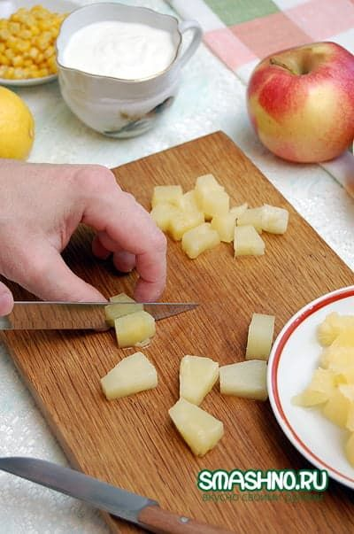 Кусочки ананасов для салата