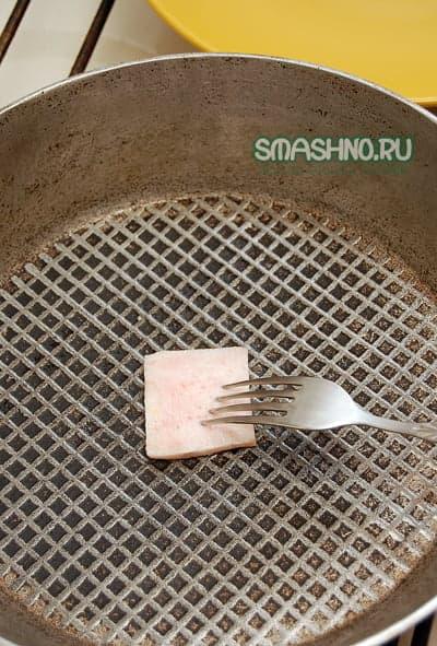 Очень удобный способ смазывания сковороды