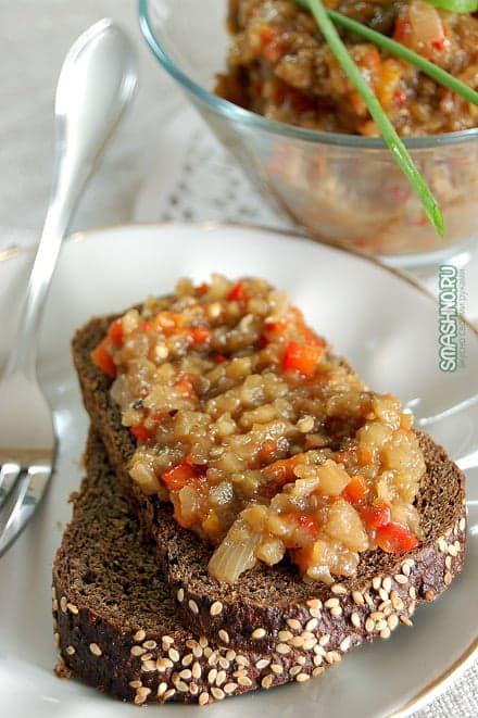 Бутерброд с баклажанной икрой