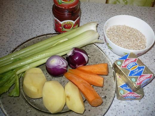 Ингредиенты необходимые для приготовления ячневого супа