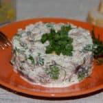Рыбный салат с сайрой и рисом