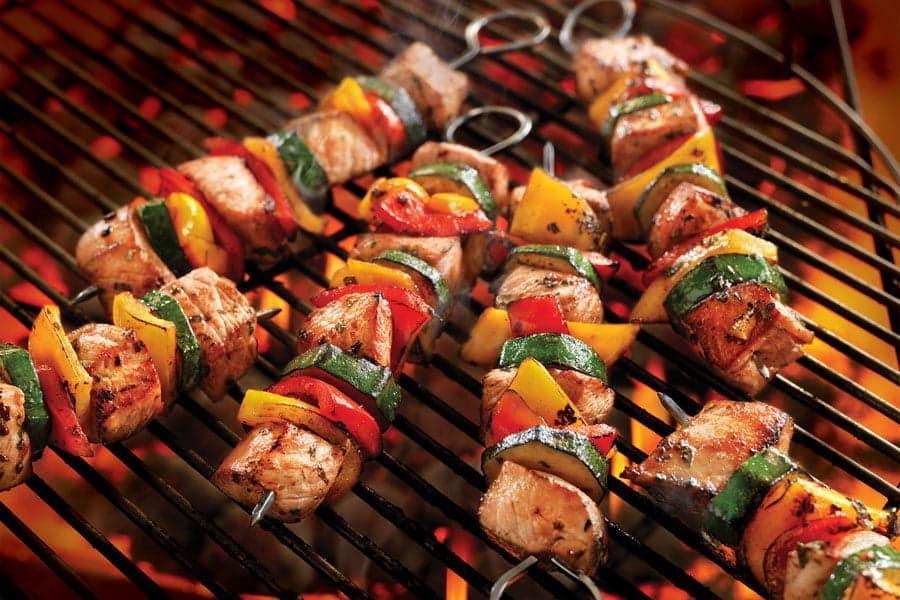 Шашлык из мяса и овощей