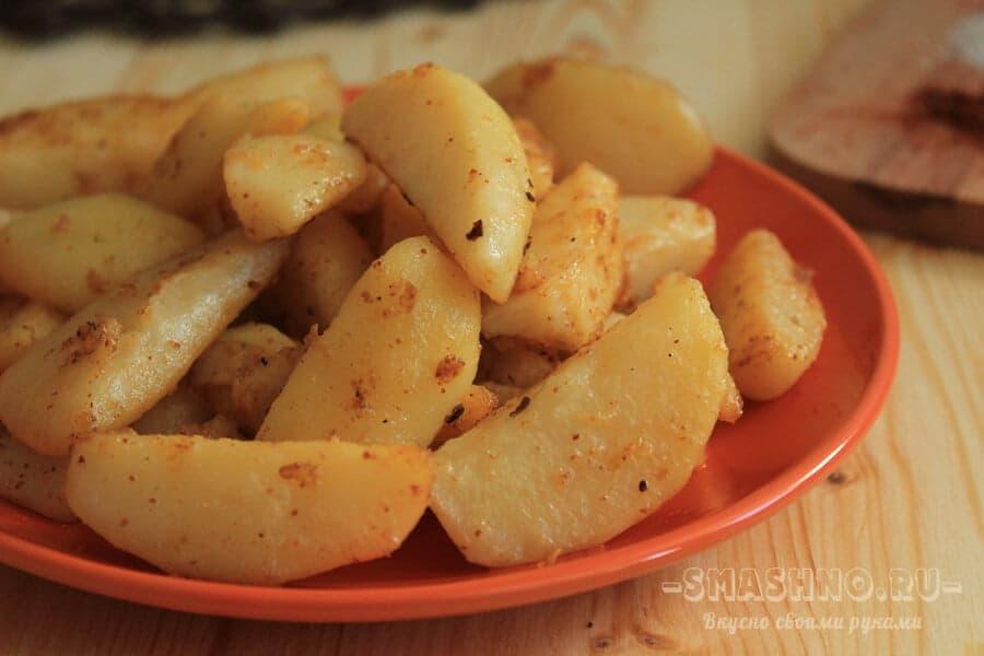 Картофель со специями, приготовленный в духовке
