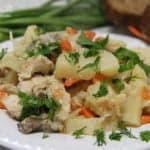 Картошка с курицей, капустой и грибами