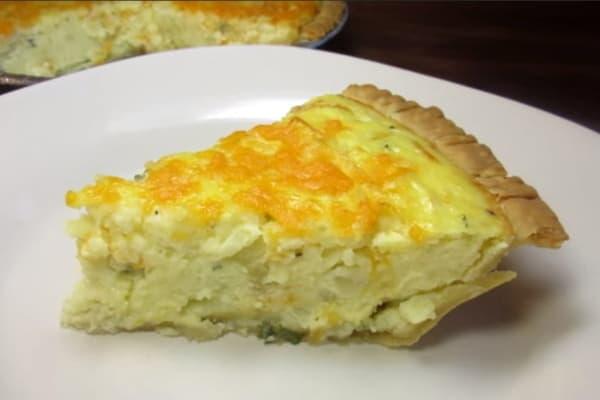 Пирог с картофельном пюре и сыром