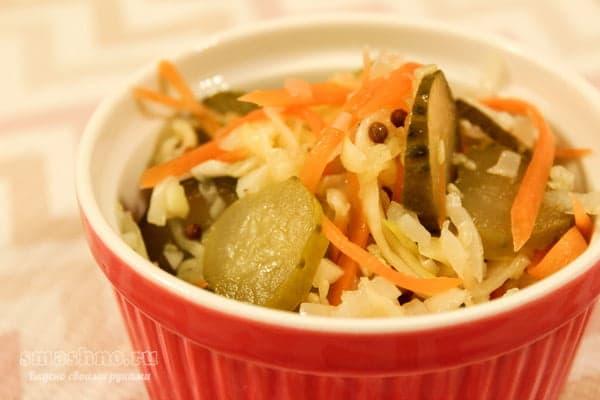 Кабачки по-корейски с морковью и солёным огурцом