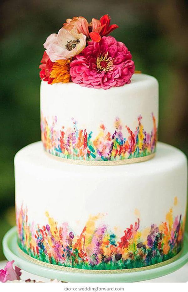 Яркий свадебный торт с росписью