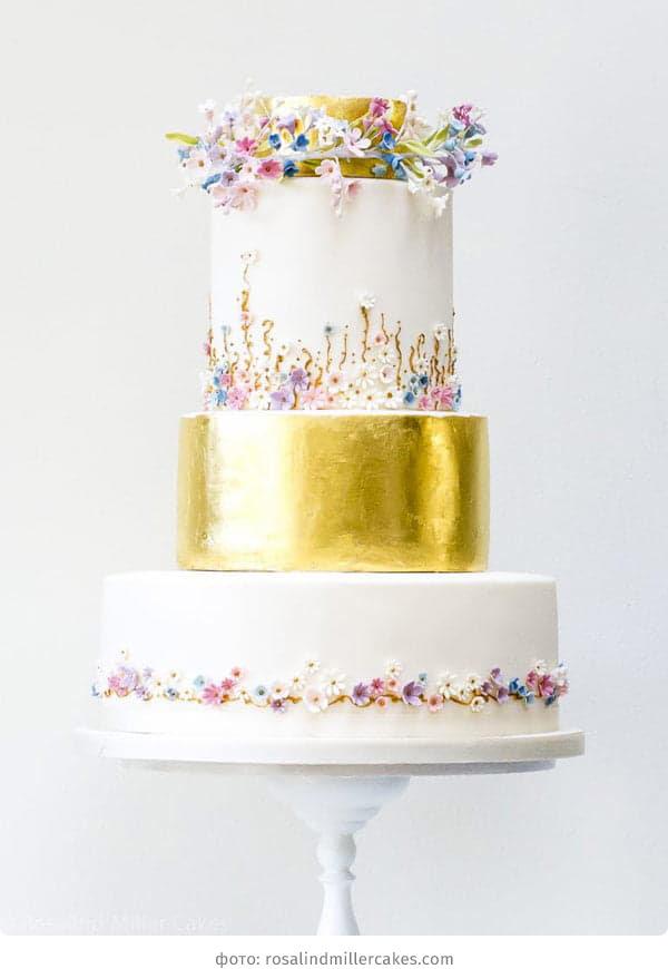 Свадебный торт с мастикой металлик
