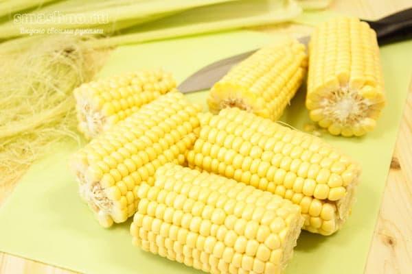 Нарезанный кукурузный початок